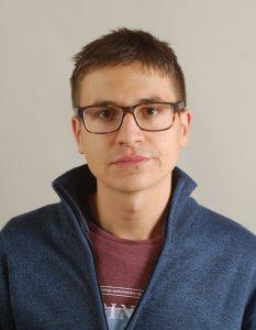 """Мимо Гарсия е студент по журналистика в Софийски университет """"Св. Климент Охридски"""" и съосновател на платформата за подкрепа и помощ """"Да говорим заедно""""."""
